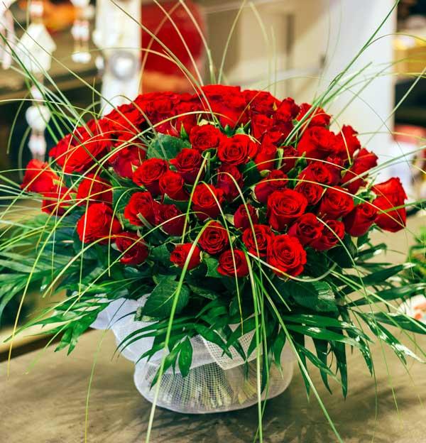wyjątkowy bukiet z dostawą 100 róż