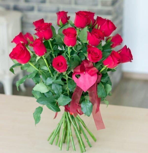walentynki-bukiet róże